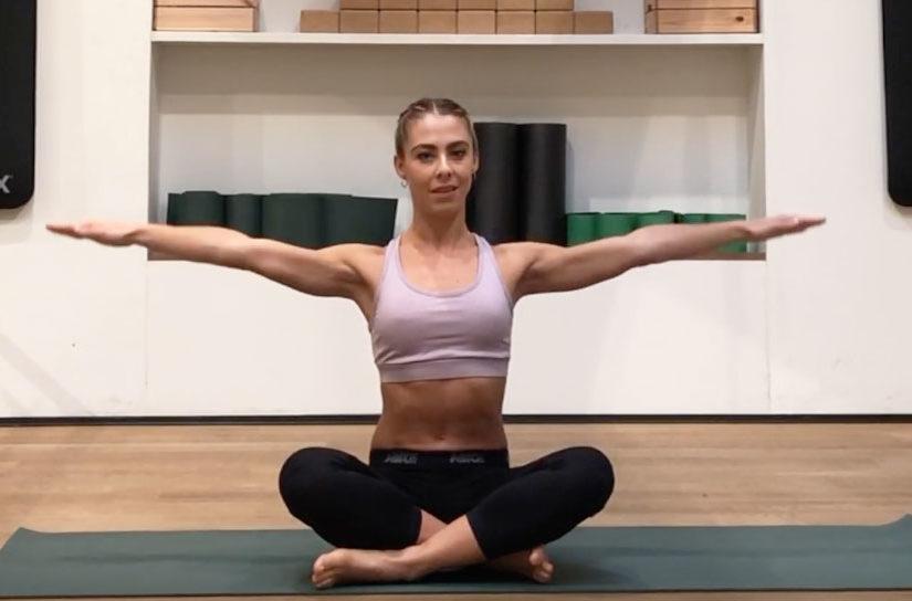 esercizi-per-braccia-e-spalle-a-corpo-libero